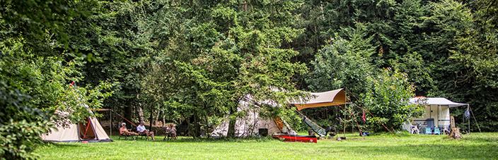 kamperen zonder eigen tent